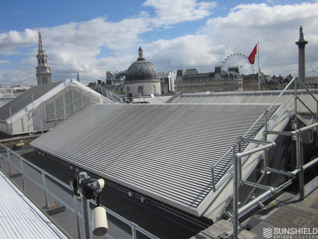Naklápěcí slunolam střecha