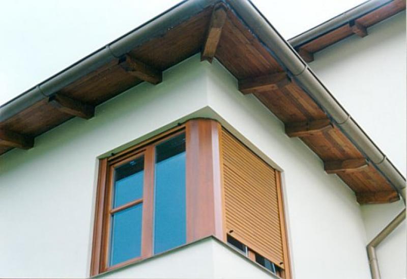 Dřevěné venkovní rolety pro rodinný dům